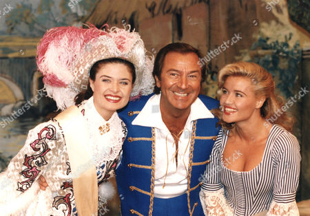 Des O'Connor, Nyree Dawn Porter, Jodie Wilson T.V. Personality with Actress and girlfriend