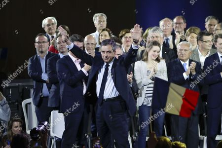 Francois Fillon, arrival on satge on side who are Francois Baroin, Bernard Accoyer, Madeleine de Jessey (enceinte), Jean-Pierre Raffarin, Gerard Larcher, Valerie Pecresse, Bruno Retailleau, Jean-Christophe Lagarde, Jean-Francois Cope, Laurent Wauquiez, Jean-Francois Lamour, Valerie Boyer, Francois Zocchetto, Frederic Lefebvre, Luc Chatel, Eric Woerth, Nathalie Kosciusko-Morizet, Brice Hortefeux, Henri de Castries