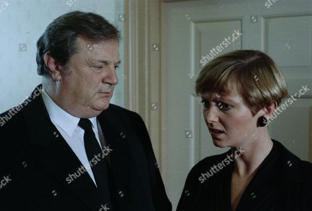On the day of the funerals for the plane crash victims, Alan confronts Lynn about her behaviour and bars her from The Woolpack - with Lynn Whiteley, as played by Fionnuala Ellwood and Alan Turner, as played by Richard Thorp. (Ep 1836 - 20th January 1994).