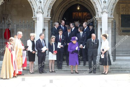The Very Reverend John Hall, Serena Armstrong-Jones, David Armstrong-Jones, Margarita Armstrong-Jones, Charles Armstrong-Jones, Queen Elizabeth II, Prince Philip, Lady Sarah Chatto