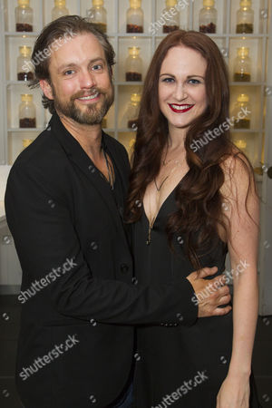 Derek Hagen (Jigger Craigin) and Jennifer Davison