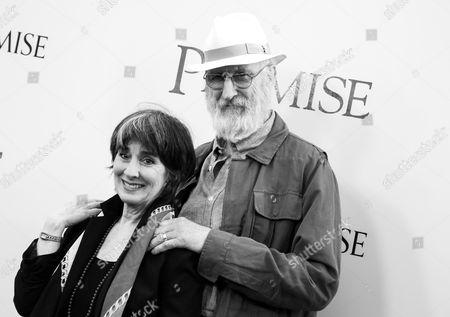 Stock Photo of Anna Stuart and James Cromwell