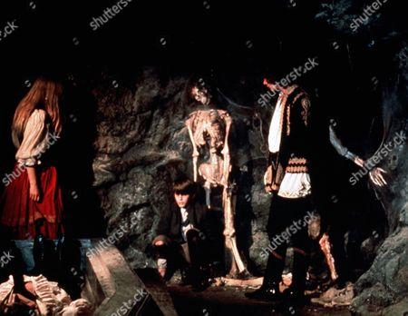 Lalla Ward, Robin Sachs 'Vampire Circus'  Film - 1972 -