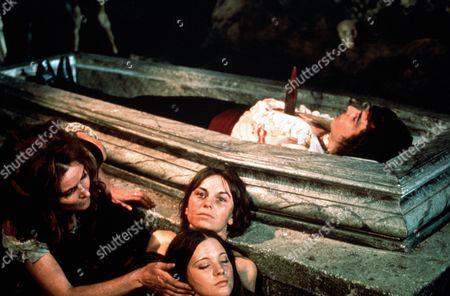Adrienne Corri, Elizabeth Seal, Lynne Frederick, Robert Tayman 'Vampire Circus'  Film - 1972 -