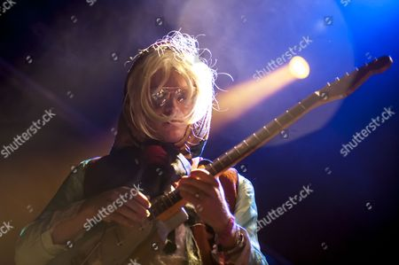 Barcelona, Catalonia, Connan Mockasin, Music Festival, New Zealander, Parc del Forum, Primavera Sound, Psychedelic pop, Spain, blonde, concert, dream pop, festival, handkerchief, music, neo-psychedelia, psychedelic rock, show, space rock