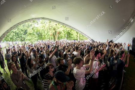 East London, Field Day, Jessy Lanza, London, Music Festival, UK, Victoria Park, audience, clubbers, crowd, dj, fans, festival, festival goers, festivalgoers, music, ravers, summer, tent