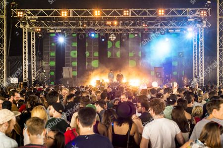Bugged Out, Can U Dance, East London, Field Day, Jackmaster & Oneman, London, Music Festival, UK, Victoria Park, audience, clubbers, crowd, dancefloor, dj, fans, festival, festival goers, festivalgoers, lights, music, ravers, stage, summer