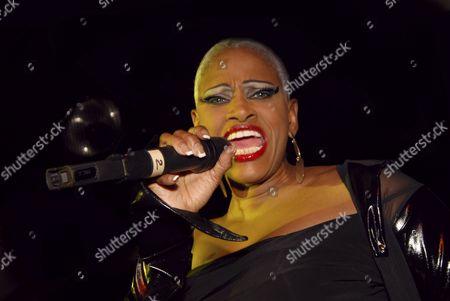Kingston Upon Thames, Lonnie Gordon, Reflex, female, singer