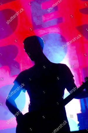Benicassim, FIB, Festival, Mylo, XI Festival Internacional de Benicassim, bass player, club, dance, destroy, electronic, shadow, silhouette