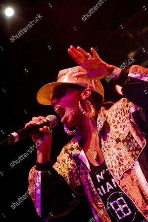 Koko, Santi White, Santogold, american, dub, female, hat, new wave, psychobilly, sunglasses