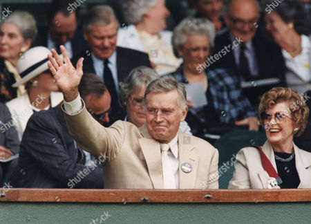 Charlton Heston, Lydia Heston Actor with his wife at Wimbledon Tennis Tournament