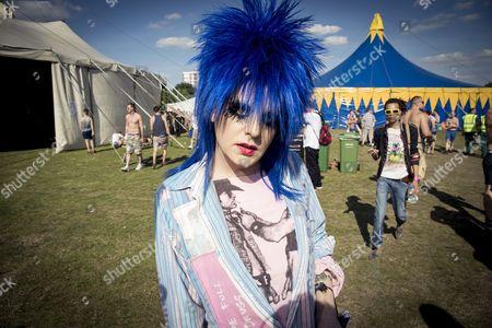 Drag Queen, Festival, Gay party, Hackney, London, London Pride, Pride, Pride in the Park, Shoreditch Park, Summer Festival, Summer Rites, Tasty Tim, UK, blue, east london, gay, make up, music festival, party, pride london, sky, smile, wig