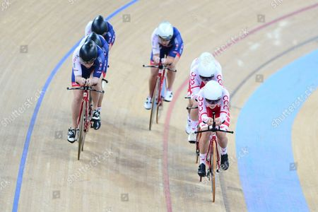 BARKER Elinor, DICKINSON Eleanor, LLOYD Manon and NELSON Emily of Great Britain over take Poland.