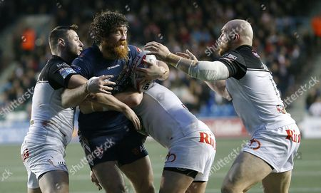 St's KYLE AMOR IS STOPPED BY Widnes JACK BUCHANAN AND Widnes GIL DUDSON AND Widnes ALEX GERRARD Pix Magi Haroun 21.04.2017 RUGBY SUPERLEAGUE ROUND 10 WIDNES VIKINGS V ST HELENS