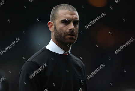 Omer Riza Leyton Orient manager during the EFL Sky Bet League 2 match between Luton Town and Leyton Orient at Kenilworth Road, Luton