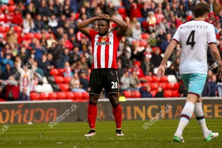 Sunderland forward Victor Anichebe (28) misses the target  during the Premier League match between Sunderland and West Ham United at the Stadium Of Light, Sunderland
