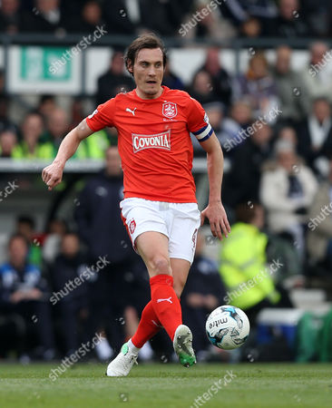 Huddersfield Town's Dean Whitehead during the Sky Bet Championship match between Derby County and Huddersfield Town played at The iPRO stadium, Derby on 17th April 2017