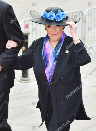 Funeral Of Coronation St. Creator Tony Warren At Manchester Cathedral. - Julie Goodyear.