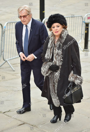Funeral Of Coronation St. Creator Tony Warren At Manchester Cathedral. - William Roach And Barbara Knox Make Their Way To The Service.