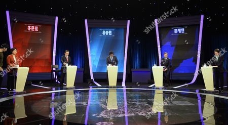 (L-R) Presidential candidates Sim Sang-jung of the leftist Justice Party, Hong Joon-pyo of the conservative Liberty Korea Party, Yoo Seung-min of the conservative Bareun Party, Moon Jae-in of the liberal Democratic Party of Korea, and Ahn Cheol-soo of the centrist People's Party attend their joint debate forum for the 09 May presidential election at a TV station in Seoul, South Korea, 19 April 2017. South Korea will hold a presidential election on 09 May to replace former President Park, who has been ousted from office on 10 March over a corruption and abuse-of-power scandal.
