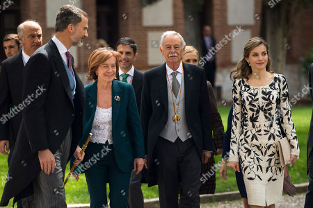 Eduardo Mendoza, King Felipe VI, Queen Letizia, Ana Soler Spanish writer Eduardo Mendoza, second right, walks with Spain's King Felipe VI, left, Queen Letizia, right, and his former wife Ana Soler, second left, after he was awarded the Cervantes Prize during a ceremony at the University of Alcala de Henares, outskirts Madrid, Spain,. The Cervantes prize is the Spanish-speaking world's highest literary honor
