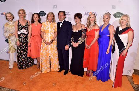 Robin Bell, Laura Tanne, Arriana Boardman, Linda Lloyd Lambert, Paige Nelson, Lara Barket and Kim White