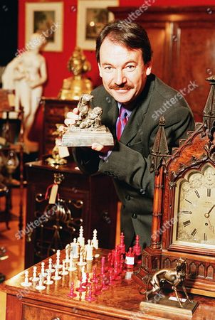 'Its a Gift'   TV Eric Knowles, Antiques Expert, Presenter