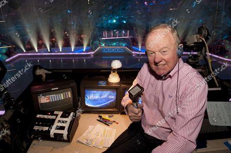 Commentator, Tony Gubba.