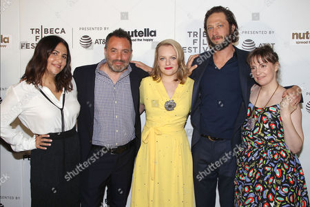 Stock Picture of Jennifer Konner, Richard Shepard, Elisabeth Moss, Ebon Moss-Bachrach and Lena Dunham