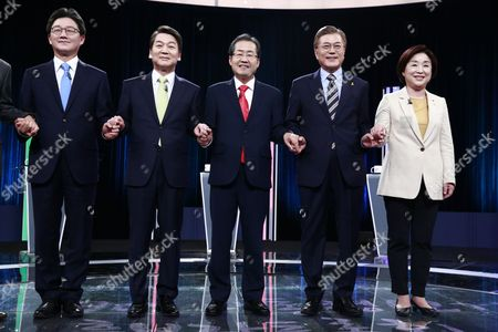 (L-R) Presidential candidates Yoo Seung-Min of the conservative Bareun Party, Ahn Cheol-Soo of the centrist People's Party, Hong Joon-Pyo of the conservative Liberty Korea Party, Moon Jae-In of the liberal Democratic Party of Korea and Sim Sang-jung of the leftist Justice Party, attend their second joint debate forum for the 09 May presidential election at a TV station in Seoul, South Korea, 23 April 2017. South Korea will hold a presidential election on 09 May to replace former President Park, who has been ousted from office on 10 March over a corruption and abuse-of-power scandal.