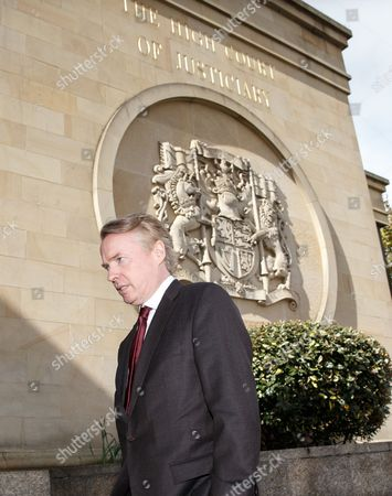 Craig Whyte (L) arrives back at the court after lunch.