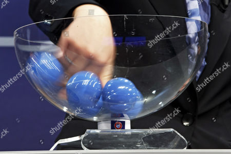 The hand of Nadine Kessler, UEFA Women's football advisor, during the drawing of the matches for the 2017-19 European Qualifying Competition for the FIFA Women's World Cup at the UEFA headquarters in Nyon, Switzerland, 25 April 2017. The FIFA Women's Cup will take place in France 2019.