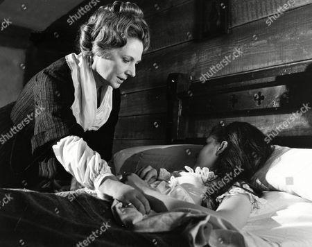 'Twins of Evil' - Katy Weil (Kathleen Byron) and Maria Gellhorn (Mary Collinson)