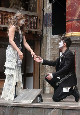 Kirsty Bushell as Juliet and Edward Hogg as Romeo