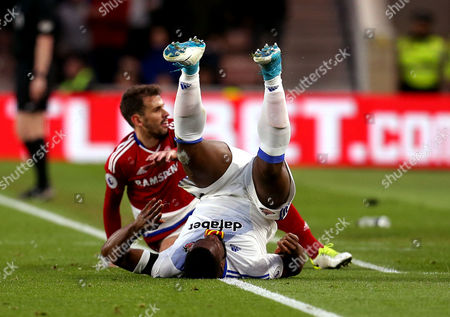 Victor Anichebe of Sunderland is tackled by Christian Stuani of Middlesbrough