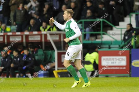 Thumbs up from Grant Holt after scoring a goal during the Ladbrokes Scottish Championship match between Hibernian and Raith Rovers at Easter Road, Edinburgh
