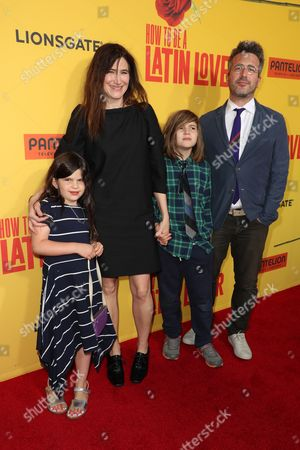 Stock Photo of Kathryn Hahn, Ethan Sandler and Leonard Sandler and Mae Sandler