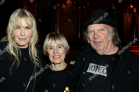 Daryl Hannah, Susan Jeanne Metzger, Neil Young