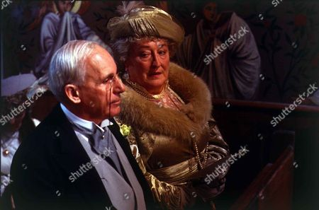 Stock Photo of 'Jeeves and Wooster'  - Sir Watkyn Bassett [John Woodnutt] and Aunt Agatha [Elizabeth Spriggs]