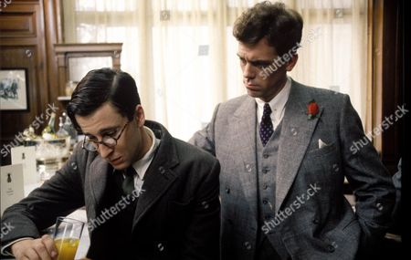 Stock Picture of 'Jeeves and Wooster'  - Gussie Fink-Nottle [Richard Garnett] and Bertie Wooster [Hugh Laurie
