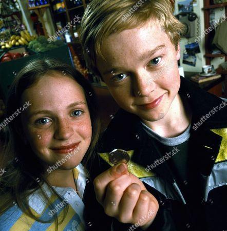 'The Queen's Nose' children's TV programme, Gemma (Lucinda Dryzek) and Jake (Jordan Metcalfe) and the Queen's Nose