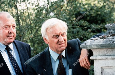 'Inspector Morse' - TV programme - Greeks Bearing Gifts James Grout and John Thaw