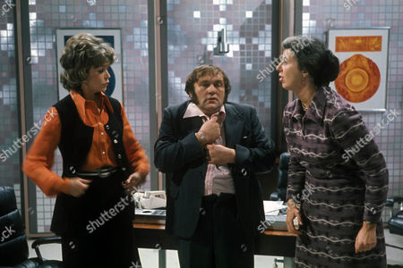 'Sez Les'  TV - 1972 - Dawn Addams, Les Dawson and Damaris Hayman