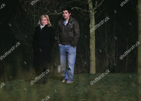 'Emmerdale'   TV   Soap   -   2008 Pictured:  Jamie Hope (Alex Carter) finally gets the oppertunity to propose to Louise Appleton (Emily Symons).