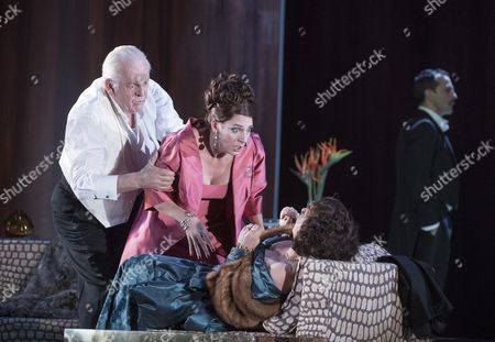 Thomas Allen as Alberto, Amanda Echalaz as Lucia, Christine Rice as Blanca