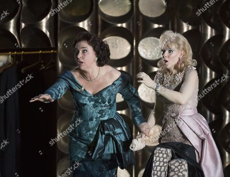 Christine Rice as Blanca, Sally Matthews as Silvia