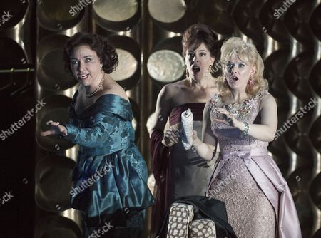 Christine Rice as Blanca, Audrey Luna as Leticia, Sally Matthews as Silvia