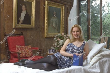 'in Bed With' Feature - Author Louise Bagshawe.