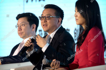 Ya-Qin Zhang, Kai-Fu Lee Ya-Qin Zhang, center, president of Chinese search engine and technology firm Baidu, speaks during a panel discussion at the Global Mobile Internet Conference in Beijing, . At left is Kai-Fu Lee, CEO of Sinovation Ventures and the former head of Google China and at right is Vanessa Gao, CEO of The Jiangmen. The GMIC features current and future trends in the mobile Internet industry by some major foreign and Chinese internet companies