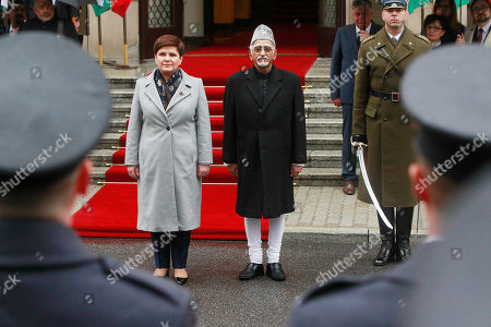 Beata Szydlo, Mohammad Hamid Ansari Polish Prime Minister Beata Szydlo, left, receives Indian Vice-President Mohammad Hamid Ansari during a welcome ceremony in front of the Office of the Prime Minister in Warsaw, Poland